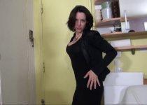 femme au foyer des plus cochonne à depuceler du cul